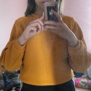 Ribbed Romwe yellow sweater